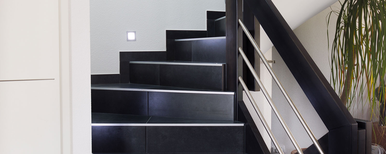 comment entretenir un escalier en carrelage guide artisan. Black Bedroom Furniture Sets. Home Design Ideas