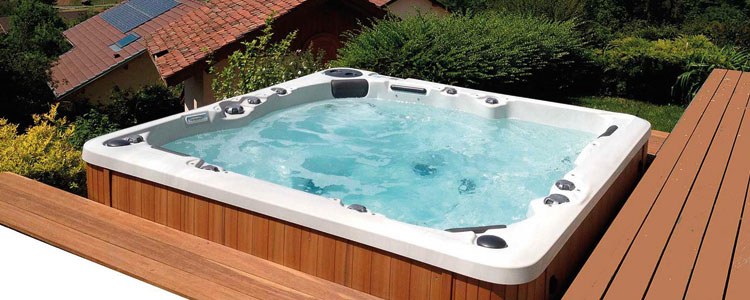 jacuzzi extrieur enterr le spa ou jacuzzi pos with jacuzzi extrieur enterr cheap best images. Black Bedroom Furniture Sets. Home Design Ideas